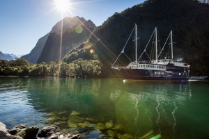 New Zealand Traveller - *Southern Alps & Fiordland Escape